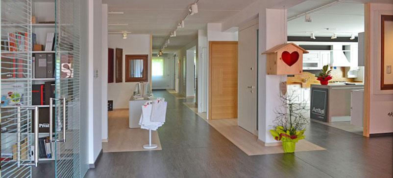 Showroom esposizione serramenti e arredamento